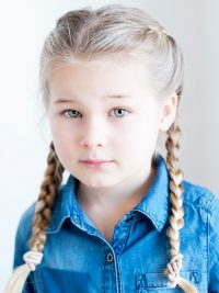 Blond kindermodel Julia