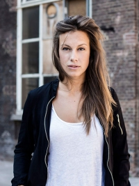 Bruinharig model Marloes
